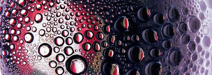 La mala costumbre de poner gaseosa al vino